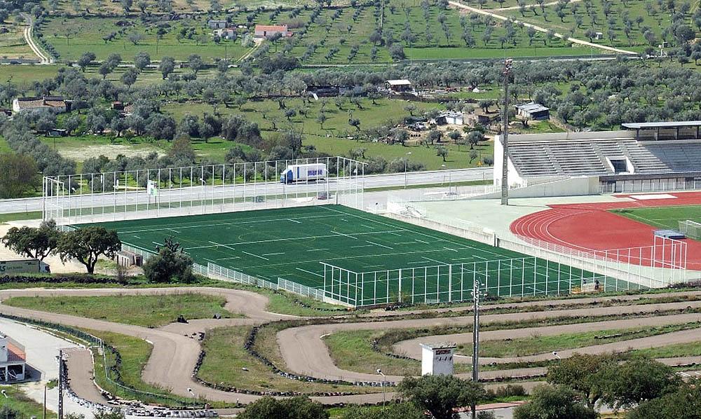 Construção do campo de treinos do estádio Eduardo de Sousa Lima - Portalegre