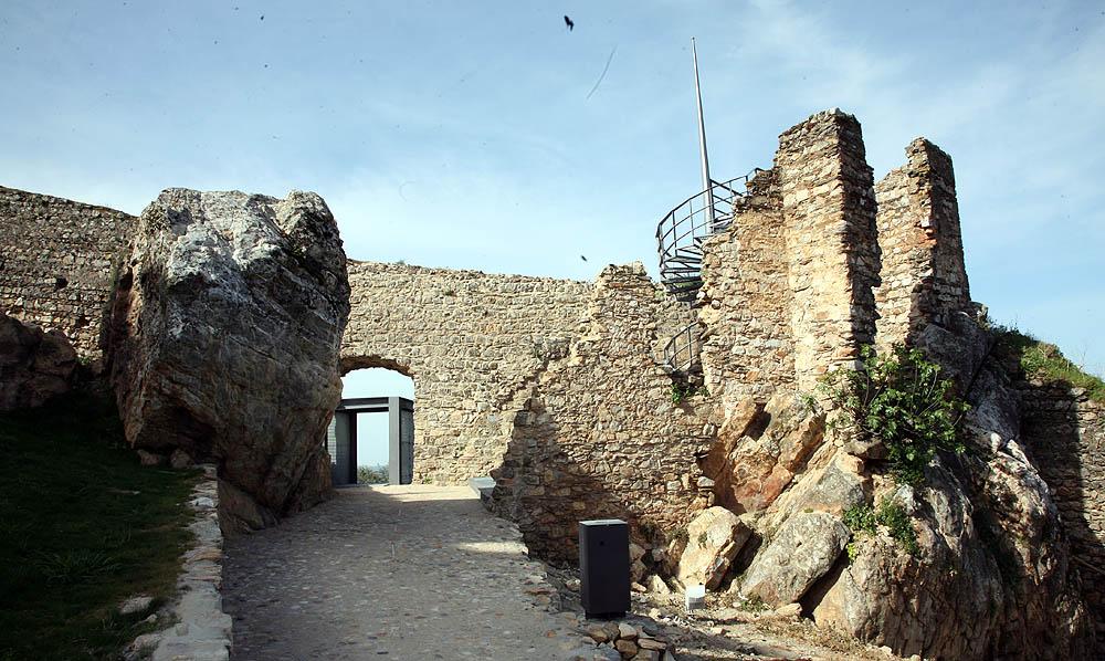 Reabilitação do Castelo e Castelejo de Alegrete (Exterior)