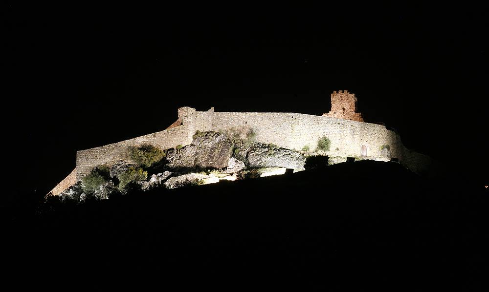 Reabilitação do Castelo e Castelejo de Alegrete - Iluminação (projetores - terra)